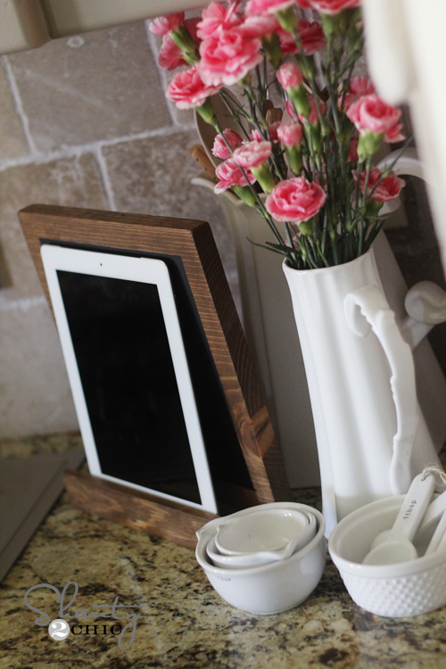 iPad Display DIY Wood