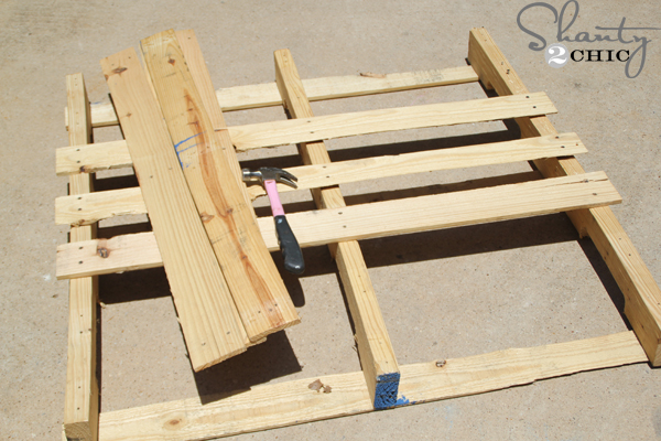 How_to_take_apart_a_pallet