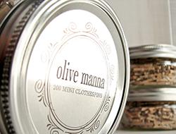 olivia-manna-clothespins