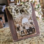 $3 DIY Bow Picture Frame