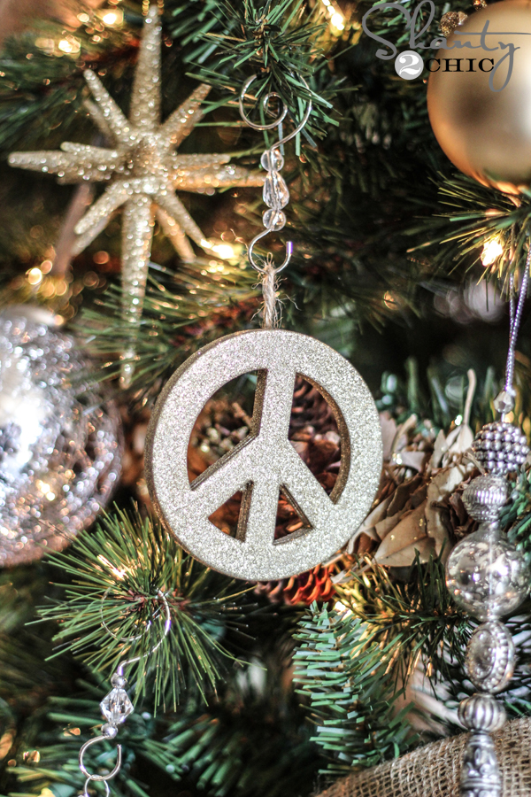 Peace-Sign-Ornament