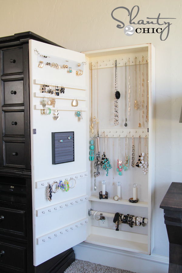 Great DIY Jewelry Organization Case