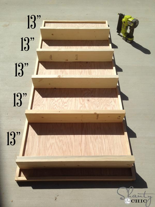 attaches-shelves