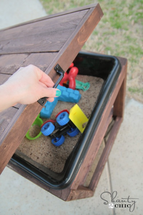DIY Sandbox Table with Lid