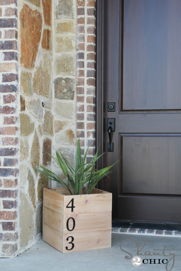 DIY-House-Number-Planter-Box_