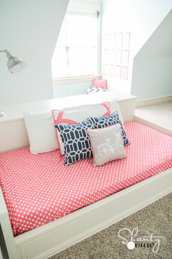 ... would LOVE for you to share and PIN this bed with all your peeps