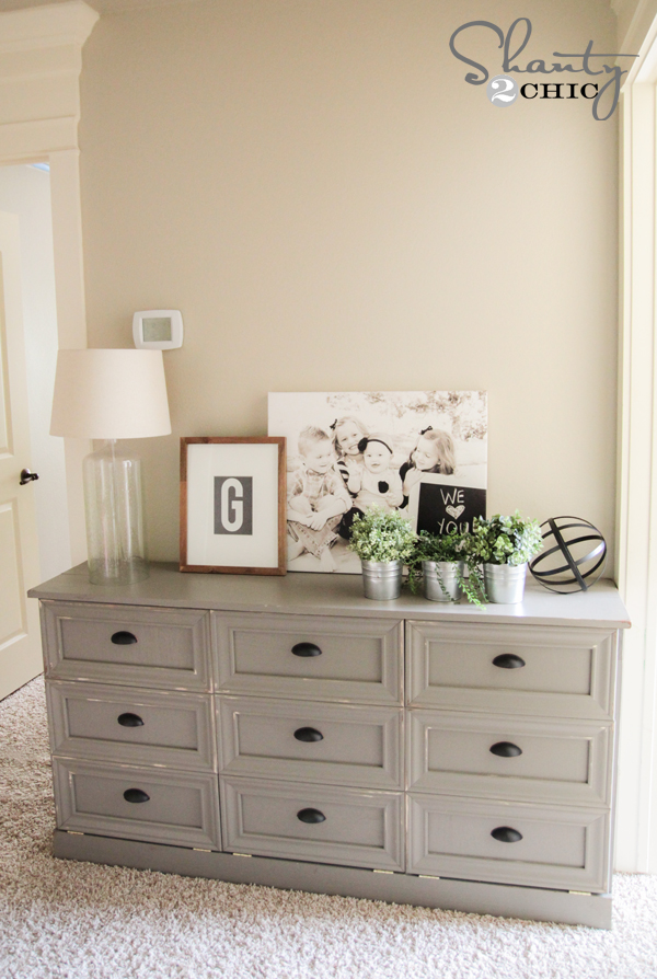 Marvelous DIY Laundry Hamper Console Table