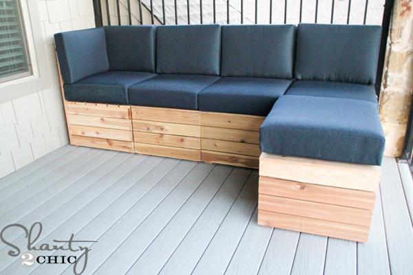 Diy modular outdoor seating shanty 2 chic for Sofa exterior diy
