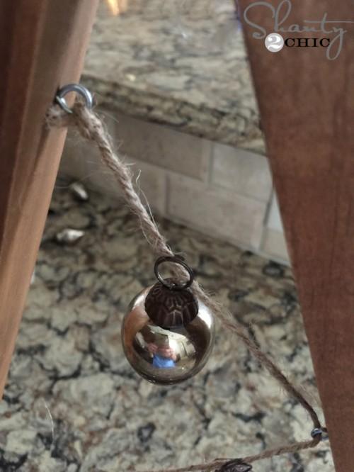 attach-small-ornaments