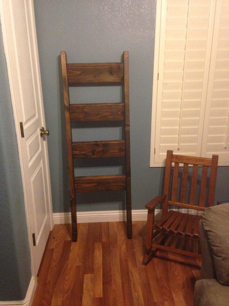 Blanket Ladder Shanty 2 Chic