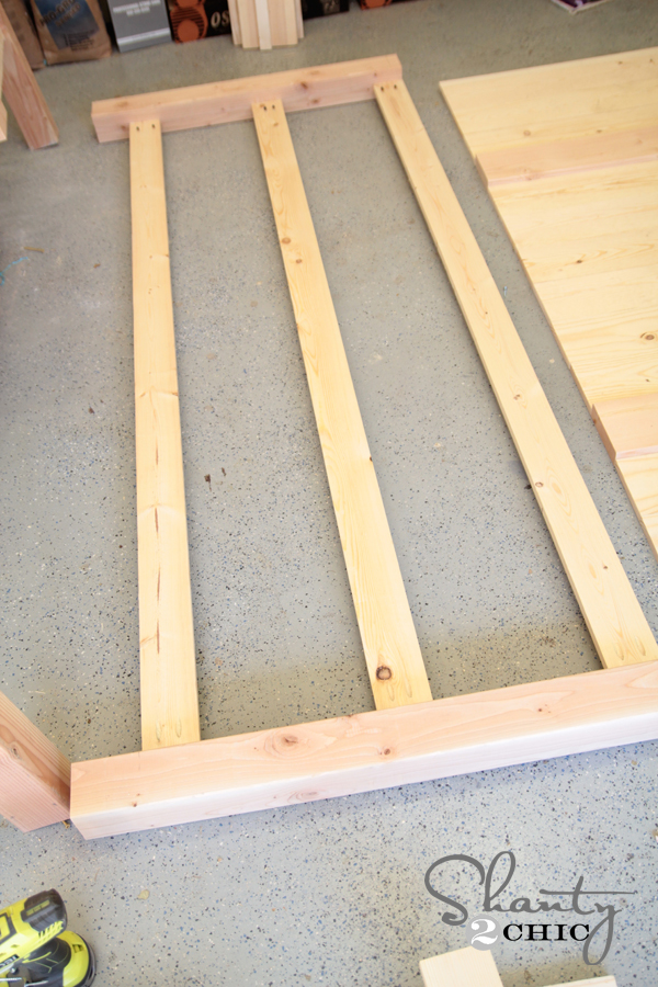 Footboard supports