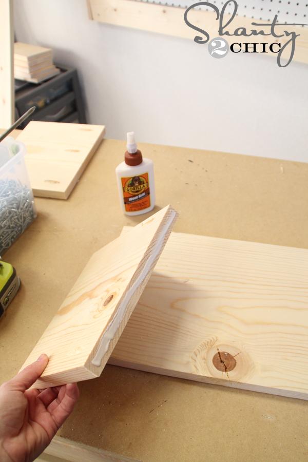 apply-wood-glue