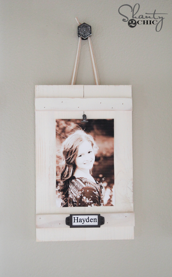 Diy hanging frames with labels shanty 2 chic for Picture frame with clips diy