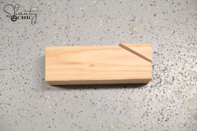 Cut angle for table braces