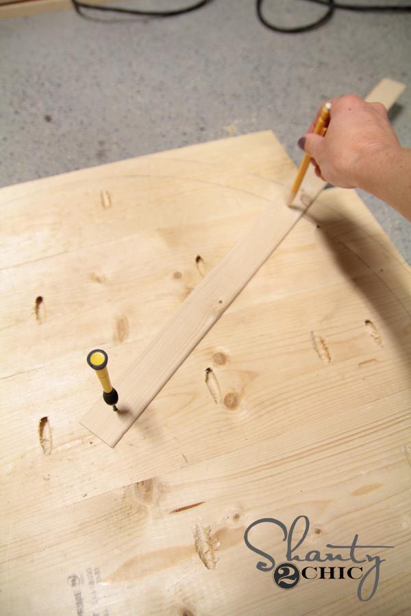 Drawing Circle on Wood