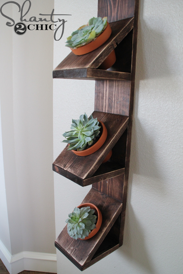 diy wall planter with succulents   shanty 2 chic