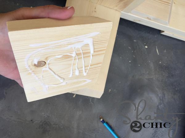 apply-glue-to-foot-trim