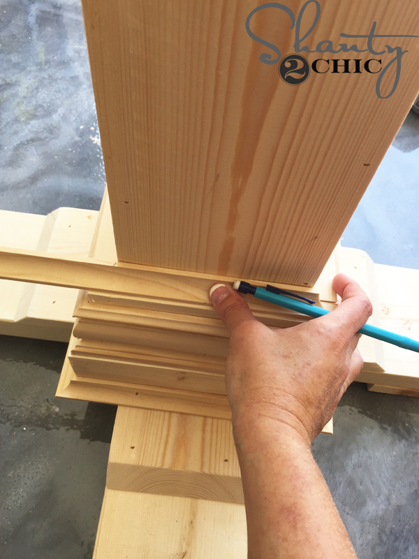 cut-top-cove-molding-to-fit