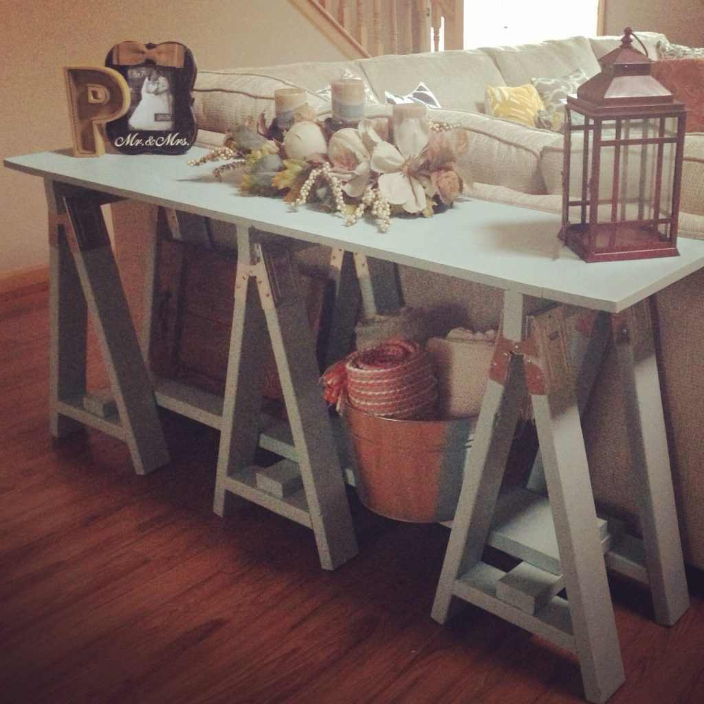DIY Sawhorse Consol Table