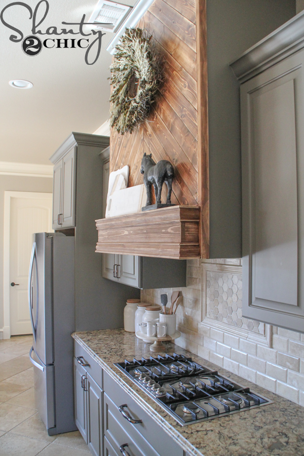 DIY-Mantel-for-Vent-Hood