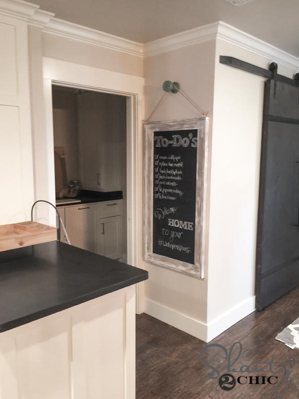Hanging-Chalkboard-DIY