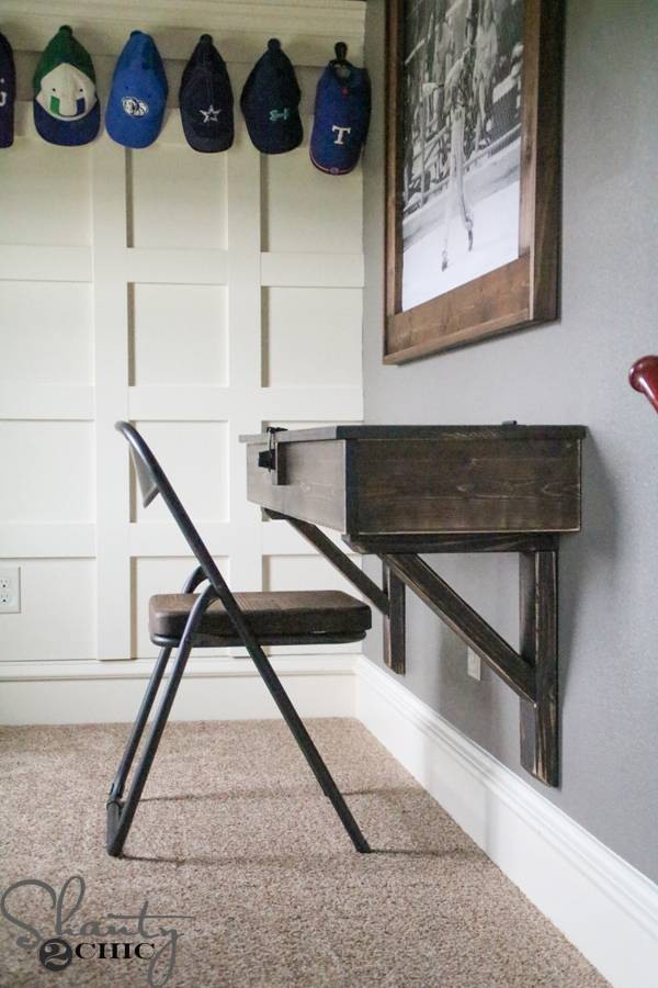 DIY-Floating-Desk-with-Storage