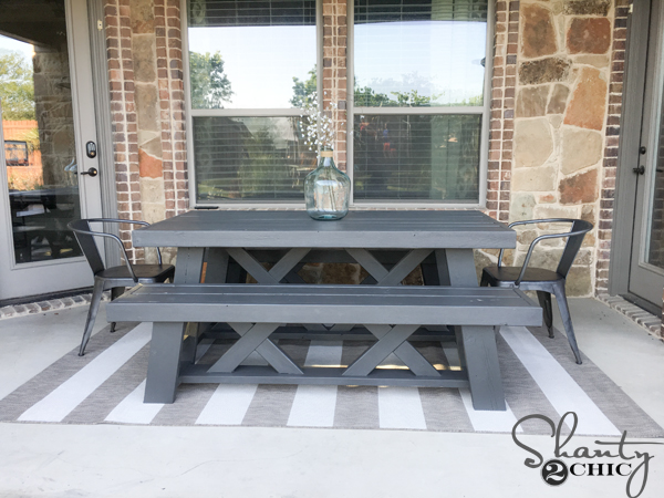 DIY-Outdoor-Patio-Table