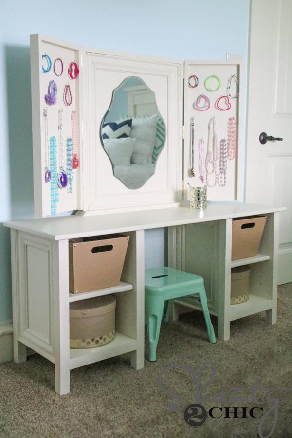 Child-vanity-DIY