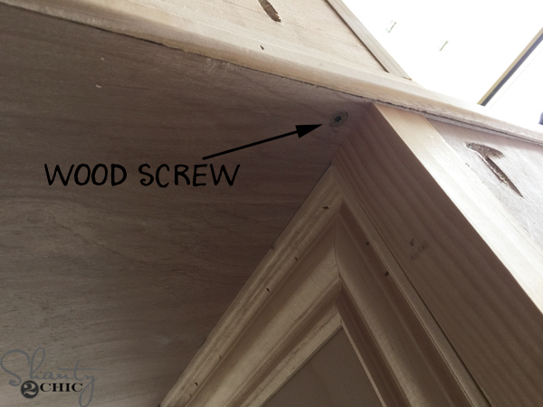 attach-middle-piece-with-wood-screw