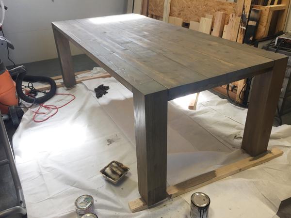 modern-style-farmhouse-table
