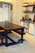 Turned table dining set