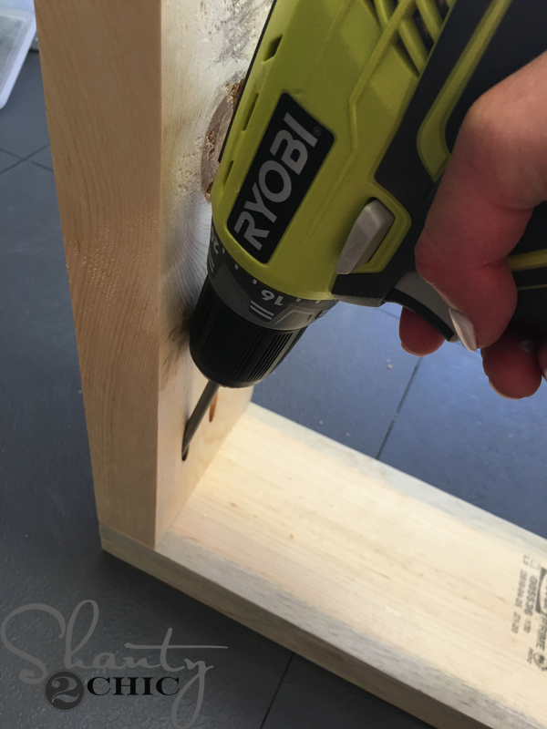 assemble-table-legs