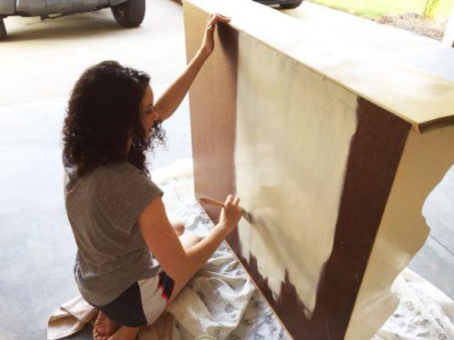 caroline-painting-chalk-paint-base-coat