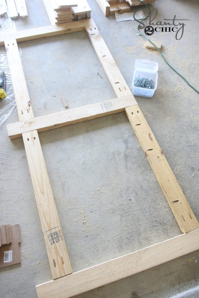 building-frame-for-the-back-of-the-table