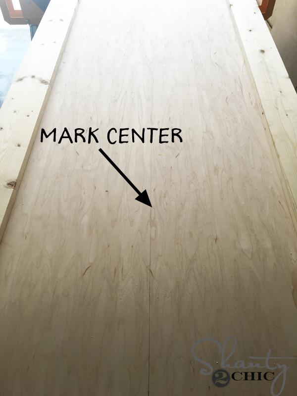 mark-center-of-door