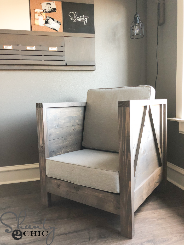 Lovely DIY Farmhouse Club Chair