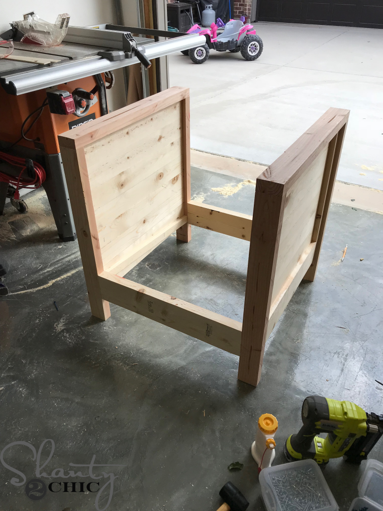 DIY Farmhouse Club Chair - side slats