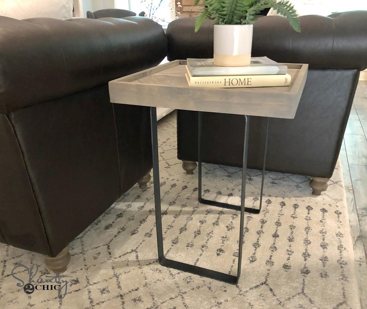 Diy Rustic Wood End Table: DIY Modern Rustic End Table